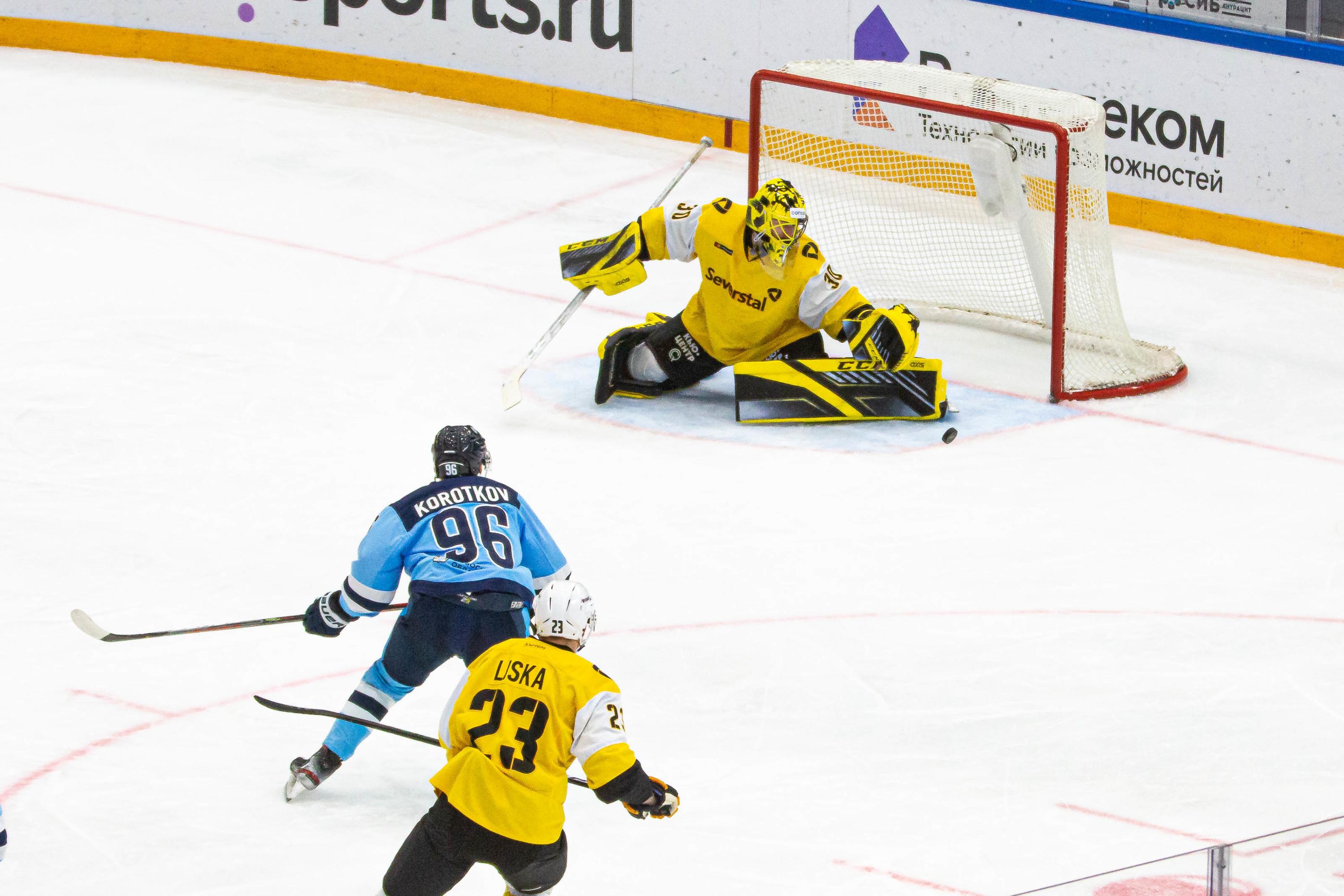 А хоккеисты «Северстали» за игру заработали 8 удалений