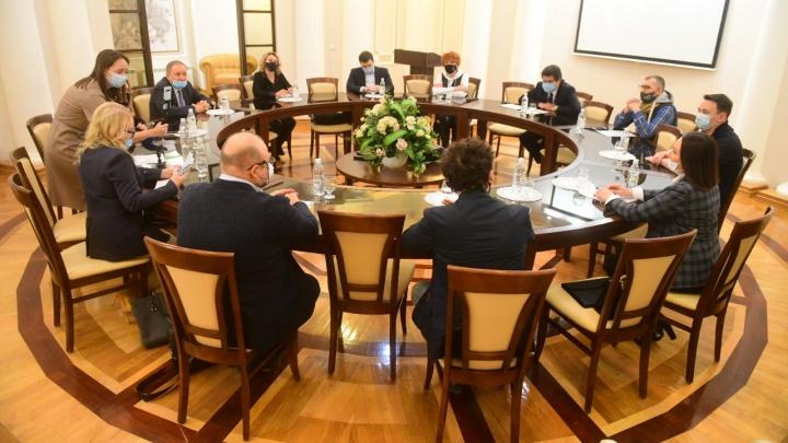 Бизнесмены Екатеринбурга обсудили с мэром проблемы, вызванные пандемией: какие нашлись пути решения
