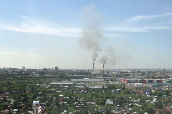 Чёрный дым хорошо виден из Ленинского района