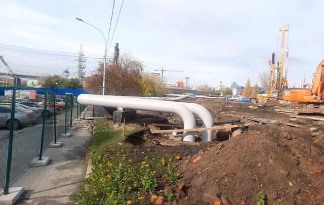 В парке «Городское начало» теплосети провели над землей — это сделали из-за нового моста