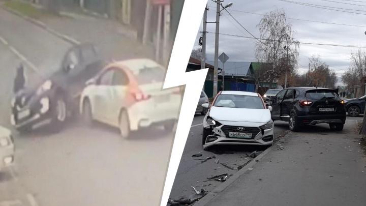 Проклятый перекресток: на Волгоградской кроссовер после ДТП вылетел на женщину-пешехода