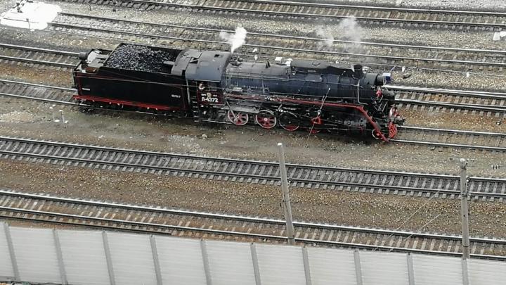 В Екатеринбурге железнодорожников будут учить ездить на легендарном советском паровозе: видео