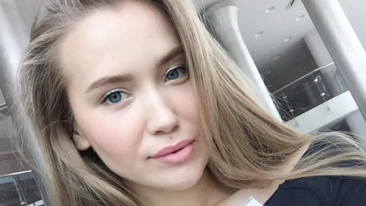«Рядом со мной никто не сидел». Мисс Екатеринбург высадили из автобуса и оштрафовали за отсутствие маски