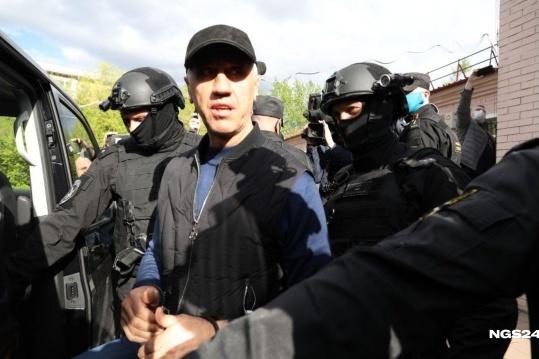 Быкова задержали в четверг, на следующий день суд отправил его под арест