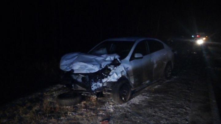 В Курганской области лоб в лоб столкнулись две легковушки: погибли три человека