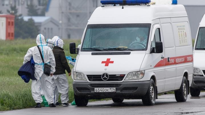 Двое умерших, 89 заболевших: в Волгограде коронавирус поражал людей даже в референдум