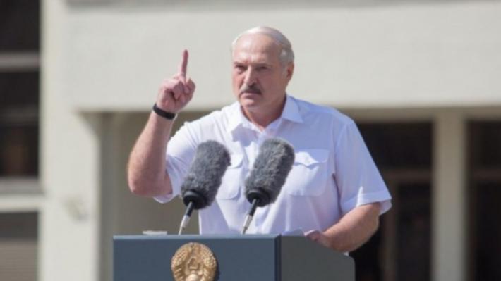 Лукашенко поручил закрыть бастующие предприятия. Это БелАЗ, МАЗ и другие заводы