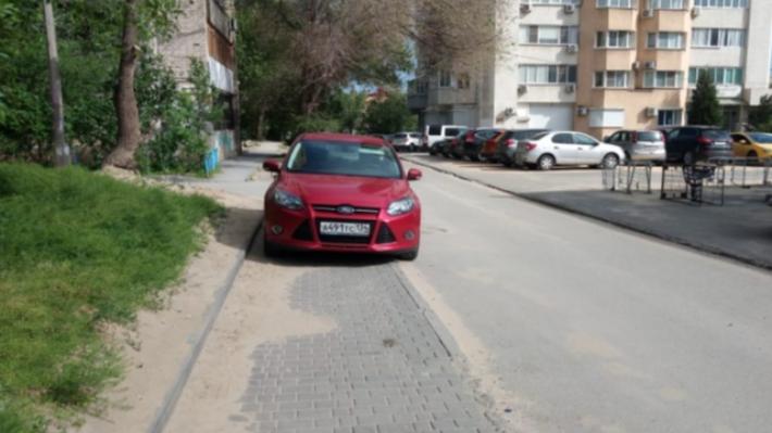 «Разберемся по понятиям»: автохамы Волгограда угрожают законопослушным автомобилистам