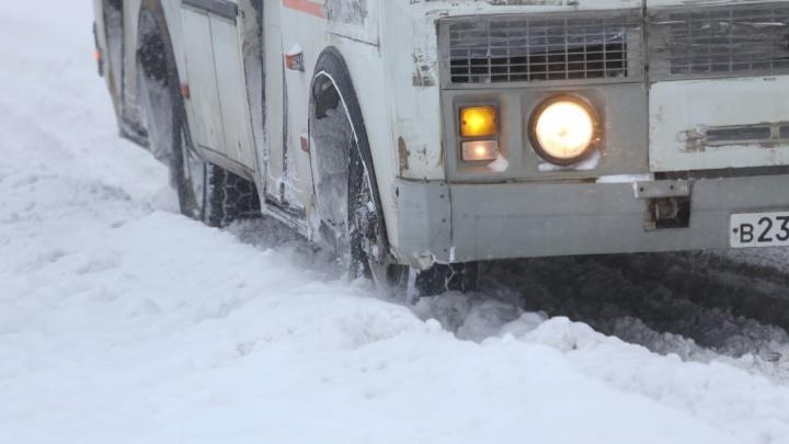 В Челябинской области задержали пьяного водителя, который вёз в автобусе 12 пассажиров