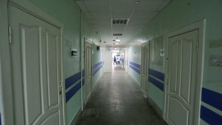 «Привезли в сарайку»: челябинку возмутила больница, куда перевели онкобольных из-за вспышки COVID-19