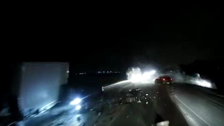 Появилось видео массового ДТП под Новосибирском — там столкнулись 4 машины