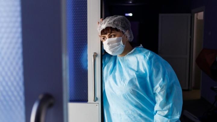 В Новосибирской области выявлено ещё 100 больных коронавирусной инфекцией. Изучаем свежую статистику