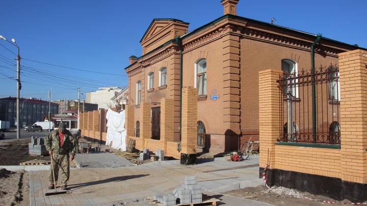 Утрату столетнего портика здания Омской епархии официально признали сносом