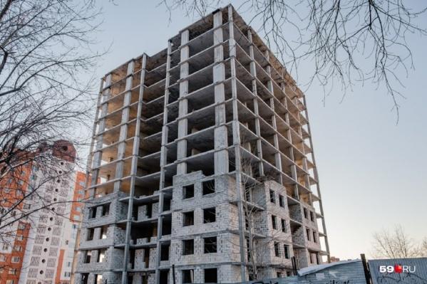 Дом на Толмачева обследуют, а потом начнут достраивать