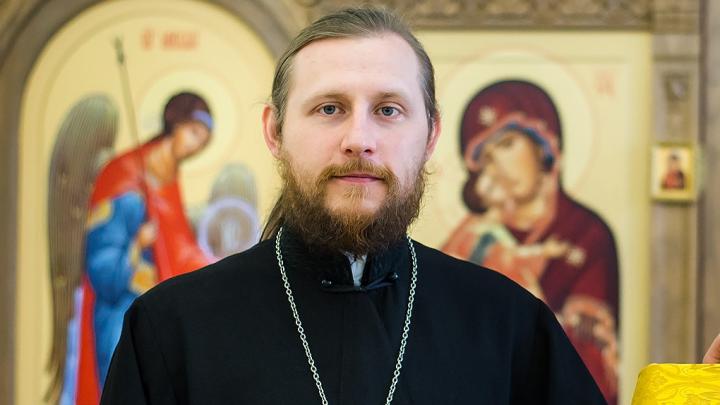 Батюшка-блогер из Челябинска высказался о прощении для взяточника и священниках на Mercedes
