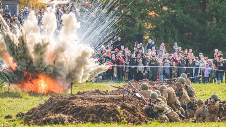 Средневековые турниры, осенняя Хохловка и бой 1945 года: фоторепортаж с фестиваля военной реконструкции