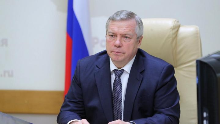 «Кто разрешил отменять масочный режим?»: Василий Голубев раскритиковал работу донского транспорта