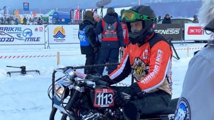 Уральцы на модифицированном «Харлее» с коляской проехали по льду Байкала и установили рекорд скорости