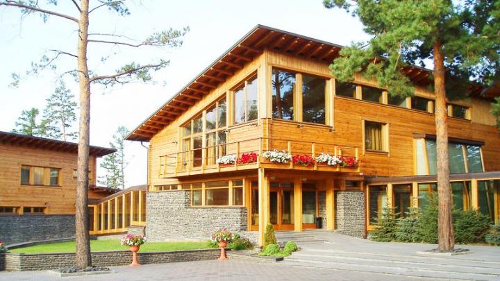 В Омске на благоустройство бывшей гостиницы Абрамовича из бюджета выделили 11 миллионов