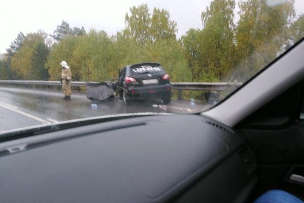 По словам очевидцев, в аварию попал автомобиль такси