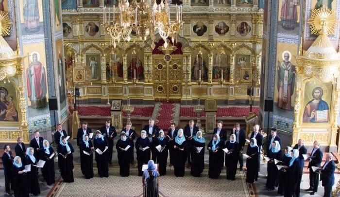 «Пел в церкви на Пасху»: в Челябинске умер артист камерного хора, госпитализированный с пневмонией