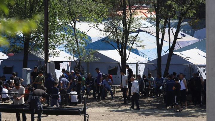 В каменском лагере мигрантов из Узбекистана умер мужчина