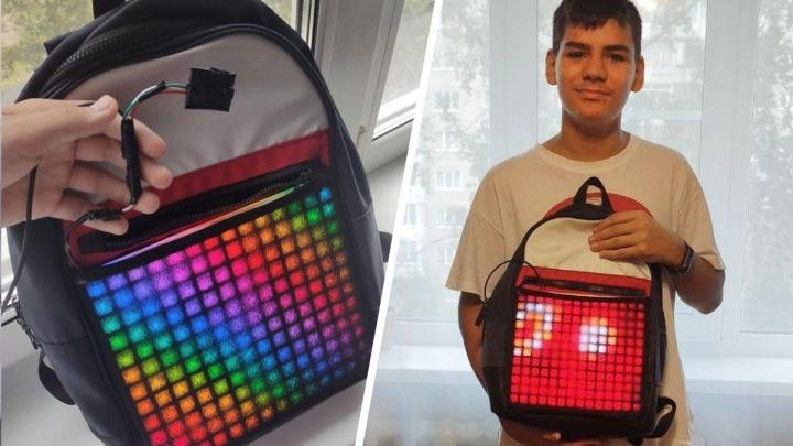 Юный изобретатель сделал светящийся рюкзак и доказал, что яхта пойдет на тяге шампанского