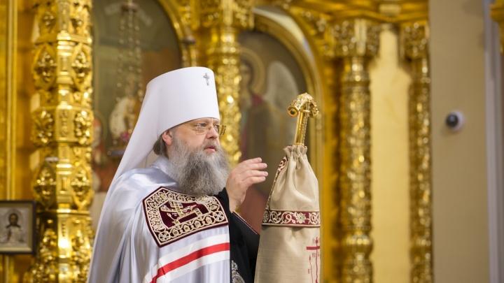 Донской митрополит рассказал, почему храмы не дезинфицируют, а людей пускают в церкви