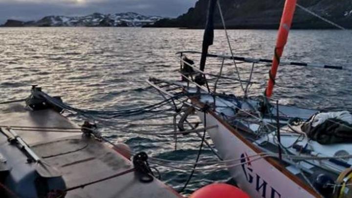 Омские власти попросили помощи для экипажа яхты «Сибирь», которая сломалась возле Южной Америки