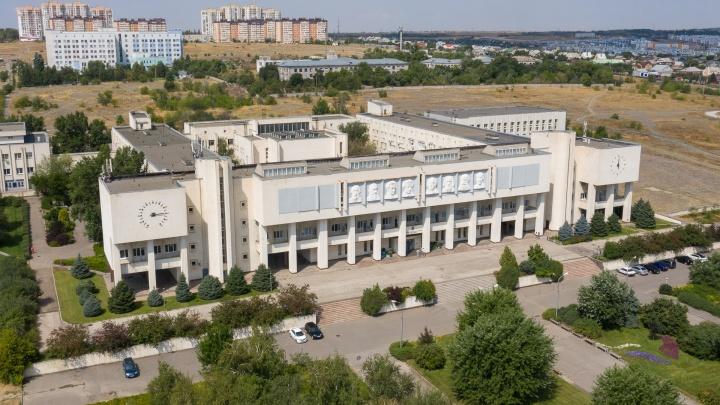 «Это результат нашей позиции по зачетам»: преподаватели ВолГУ заявили, что их не допускают к работе