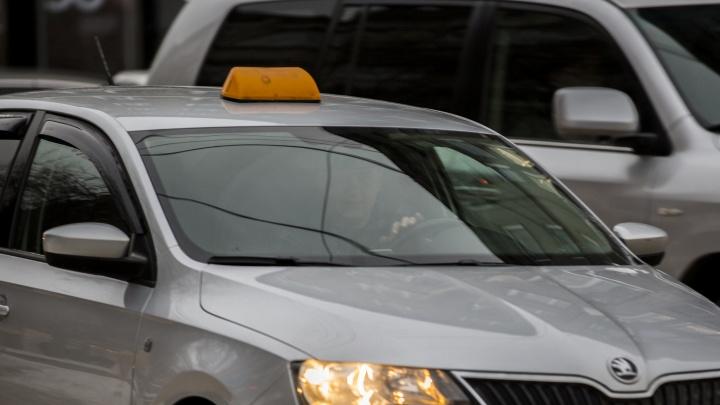 Пьяный иностранец угнал такси по дороге из ночного клуба в Новокузнецке