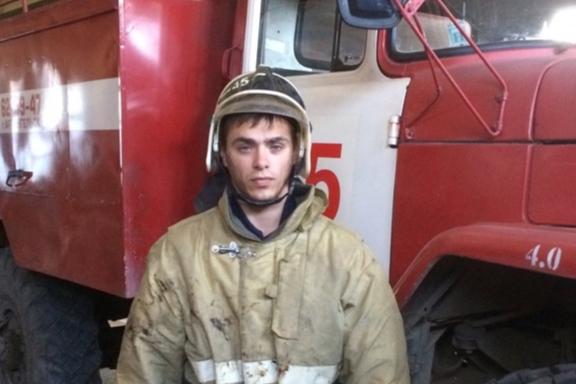 Пинежский пожарный, находясь в отпуске, спас из горящего дома пенсионера