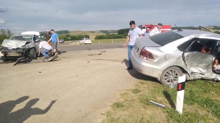 Появилось видео с места ДТП в Башкирии, где пострадали шесть человек