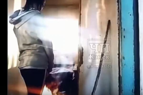 В пригороде Канска девушки жгли дачи и выкладывали видео в Сеть