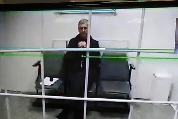 Суд оставил меру пресечения (арест) без изменений