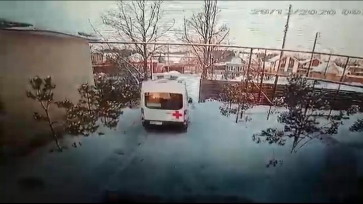 Преступника поймать не удалось: подробности об угоне машины скорой помощи в Свердловской области
