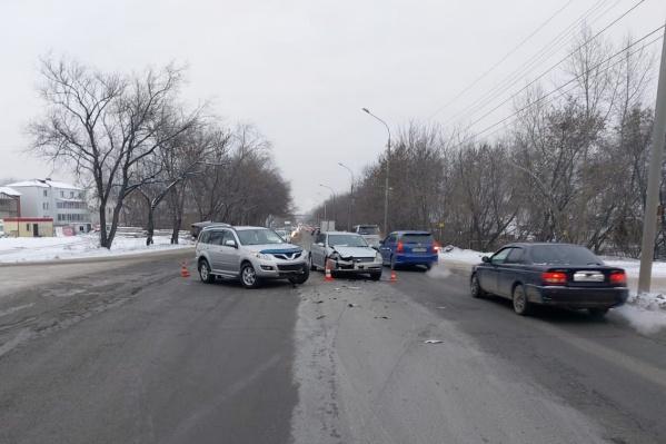 Авария произошла на улице Хилокской