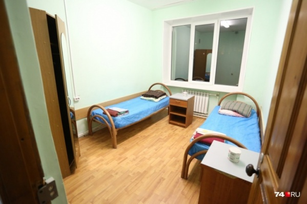 Так весной выглядели комнаты в центре на озере Смолино для прибывших из-за границы туристов