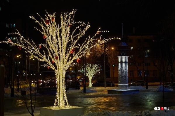 Вот такие деревья заказали для украшения города