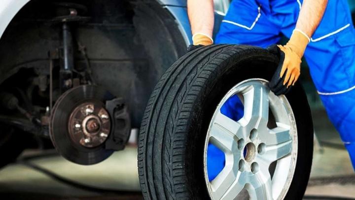 «Не тяни резину»: сезонная замена шин от 990 рублей стала доступна в Екатеринбурге