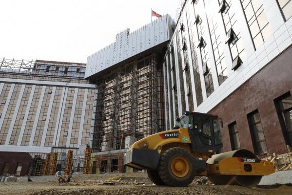 Строительство здания планируется закончить до Дня шахтёра