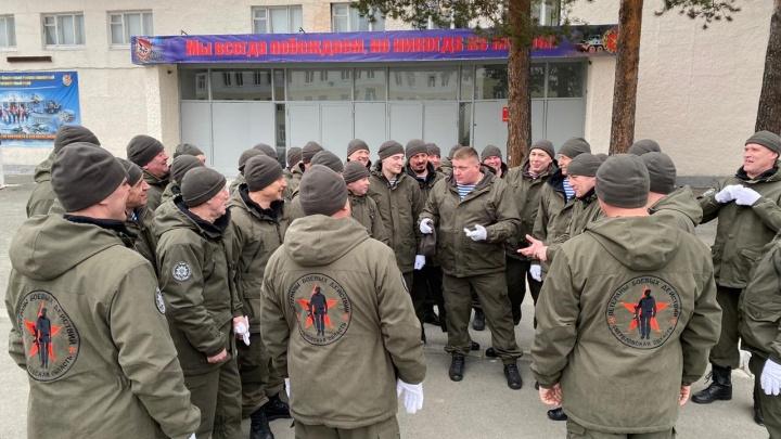В Екатеринбурге военные готовятся к параду Победы, несмотря ни на что: видео