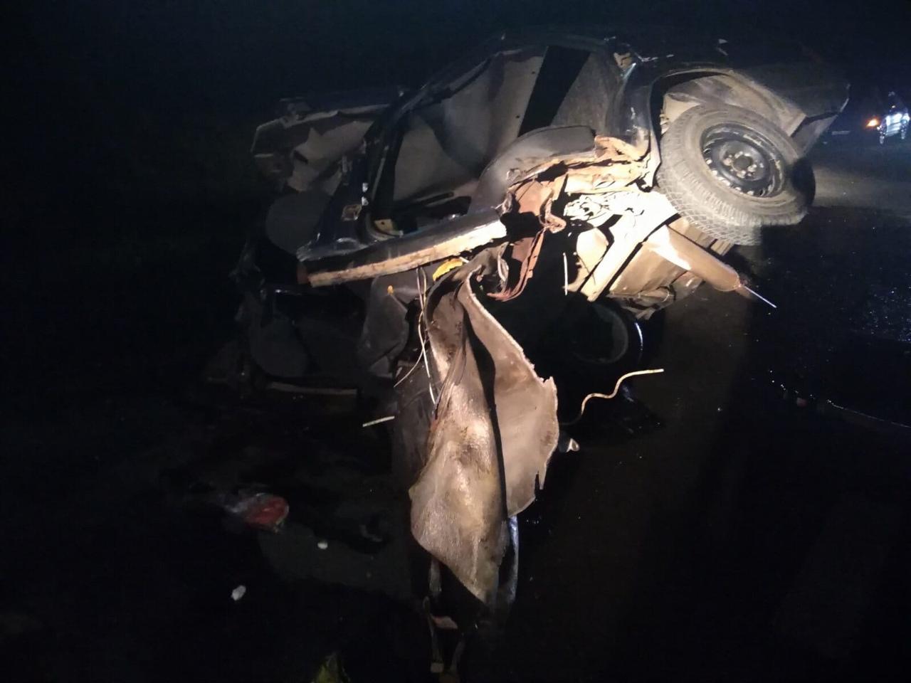 Отечественный автомобиль разорвало пополам