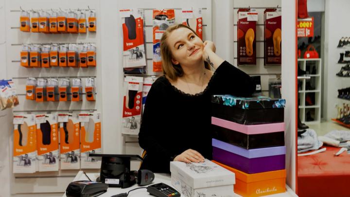 «Уходя, выключайте кассу»: как журналистка попробовала на себе профессию продавца