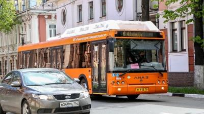 Семь автобусов поедут по-новому из-за того, что перекроют Малую Покровскую