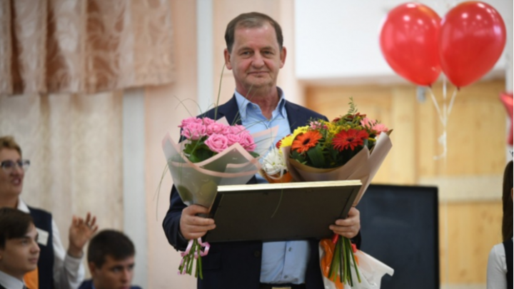 Губернатор Евгений Куйвашев присвоил Андрею Симановскому звание почетного гражданина области