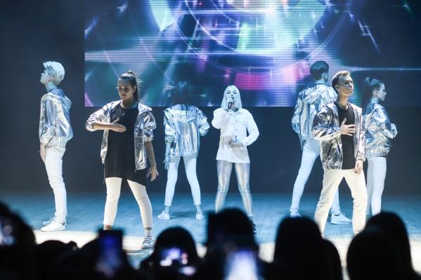 Финалисты конкурса выступят вместе со звездами на гала-шоу «ПоколениеМ:Blog&Voice» в Санкт-Петербурге