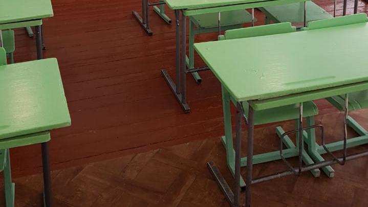 «Начались разборки»: директор школы в Башкирии увольняется после обвинения в поборах на линолеум