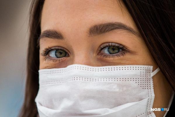 Скоро в Омскую область планируют завести большую партию масок