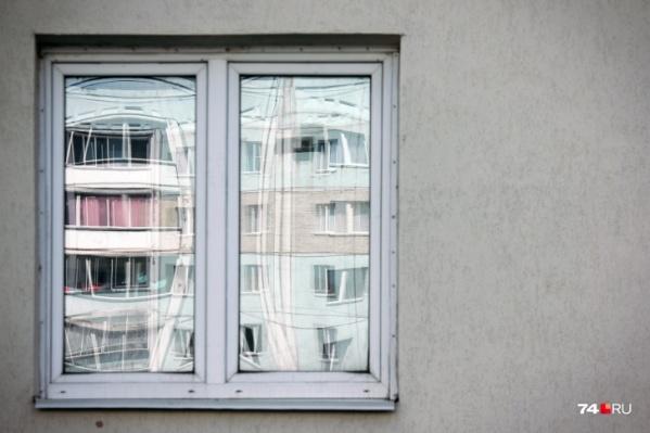 В ситуации с фирмой, которая, по словам челябинцев, навязывает ремонт окон по завышенным ценам, всё очень непрозрачно